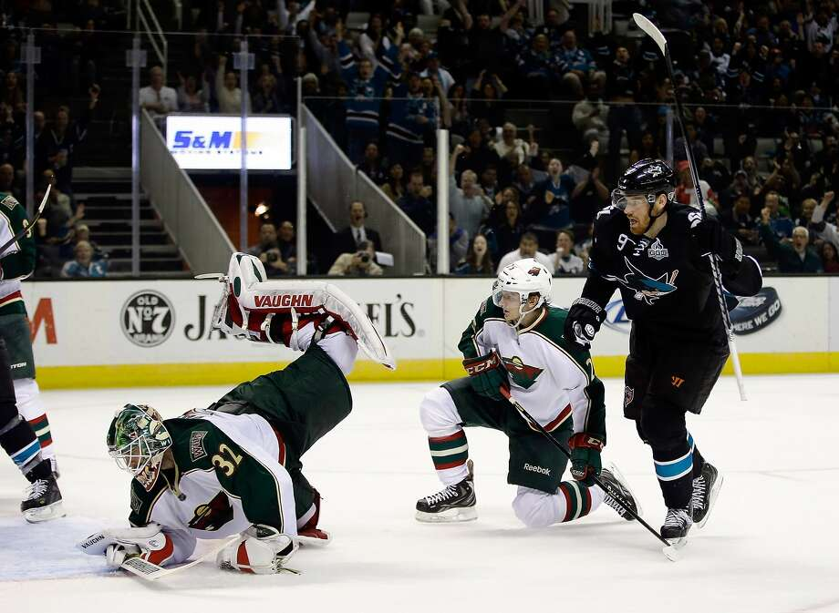If the current standings hold up, Martin Havlat (9) and the Sharks would face Niklas Backstrom (32) and the Wild in the first round of the Western Conference playoffs. Photo: Ezra Shaw, Getty Images
