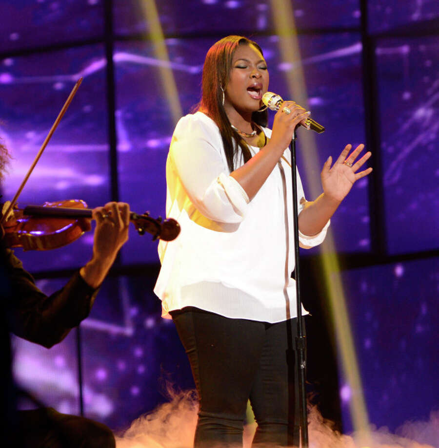 AMERICAN IDOL: Candice Glover performs on AMERICAN IDOL Wednesday, April 17 (8:00-10:00 PM ET/PT) on FOX. CR: Michael Becker/ FOX. Copyright: FOX.