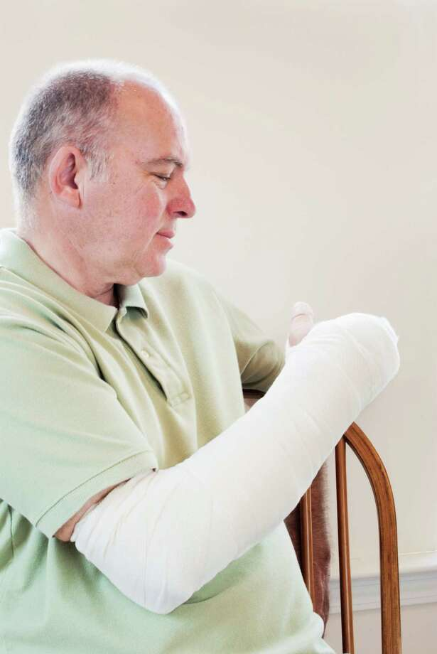 Broken Arm Photo: Laura Clay-Ballard / iStockphoto