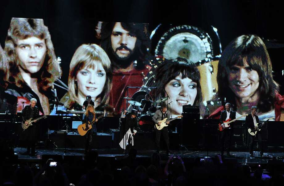 Howard Leese, Nancy Wilson, Ann Wilson, Steve Fossen and Jerry Cantrell of Heart perform on stage at the 28th Annual Rock and Roll Hall of Fame Induction Ceremony at Nokia Theatre L.A. Live on April 18, 2013 in Los Angeles. Photo: Kevin Winter, Getty Images / 2013 Getty Images