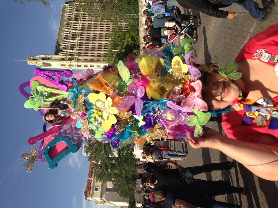 Minu Martinez\'s tower of flowers.