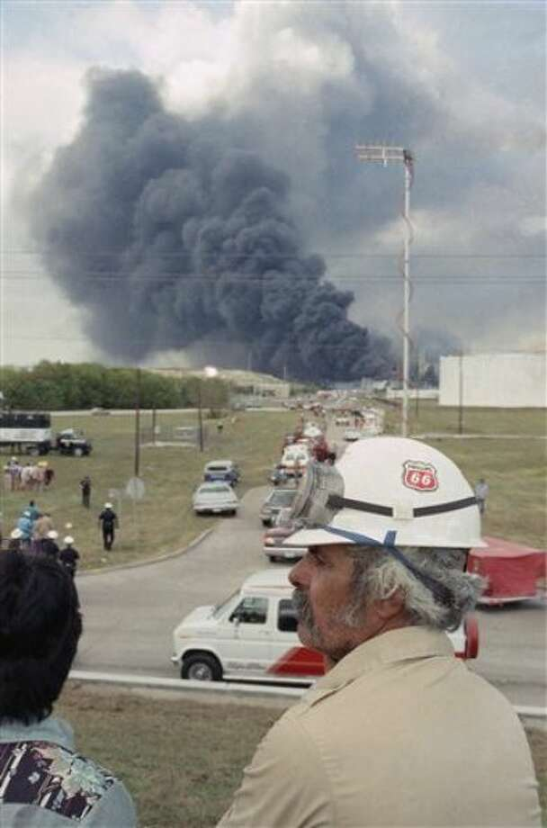 July 5, 1990: An explosion at Arco Chemical Co. chemical plant in Channelview kills 17 people. Photo: Associated Press