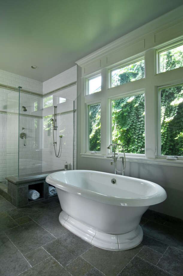 Vintage-style soaking tub Photo: Bgpix / iStockphoto