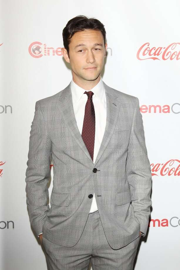 Joseph Gordon-Levitt arrives at the CinemaCon 2013 Big Screen Achievement Awards held at Caesars Palace during CinemaCon, the official convention of the National Association of Theatre Owners on April 18, 2013 in Las Vegas, Nevada.