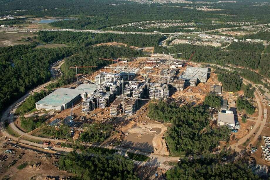 Exxon Mobil's campus is under construction near The Woodlands. It's expected to hold 10,000 employees when it's finished in 2015. Photo: Smiley N. Pool, Staff / © 2013  Houston Chronicle