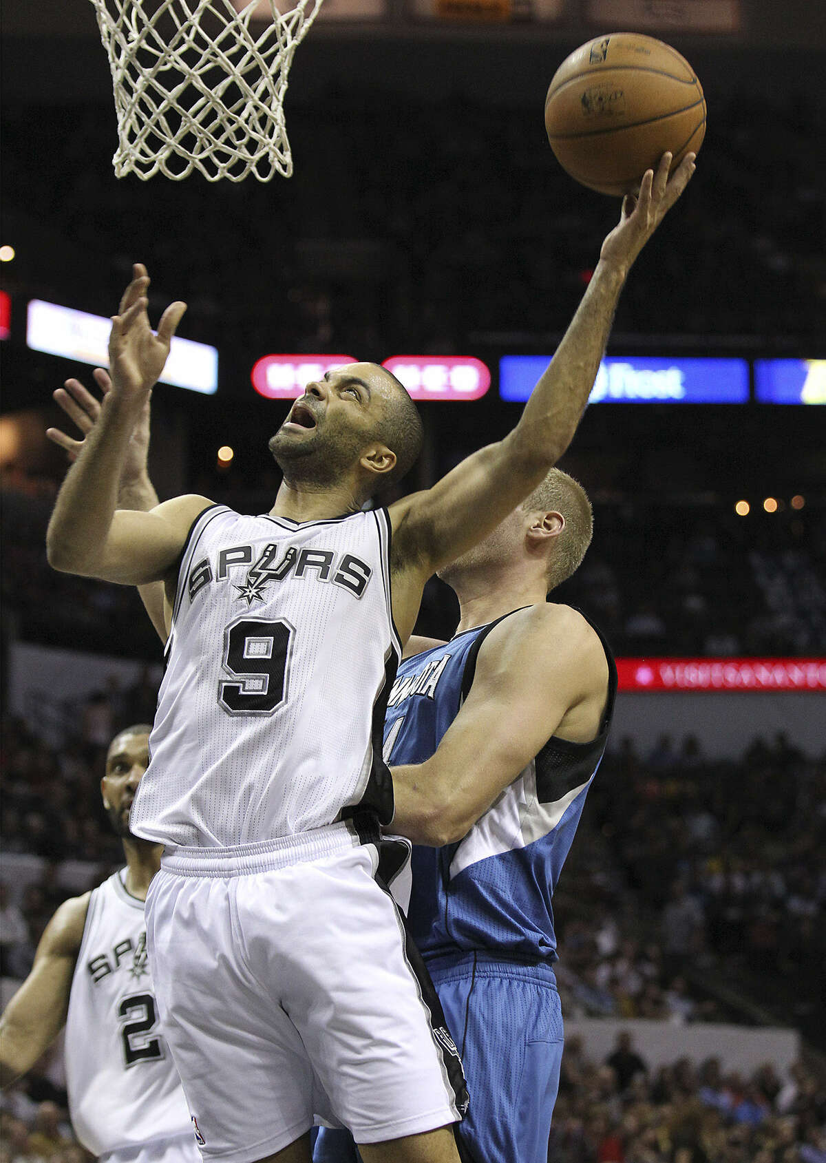 Tony Parker averaged only 6.3 points per game in the Spurs' recent three-game skid.