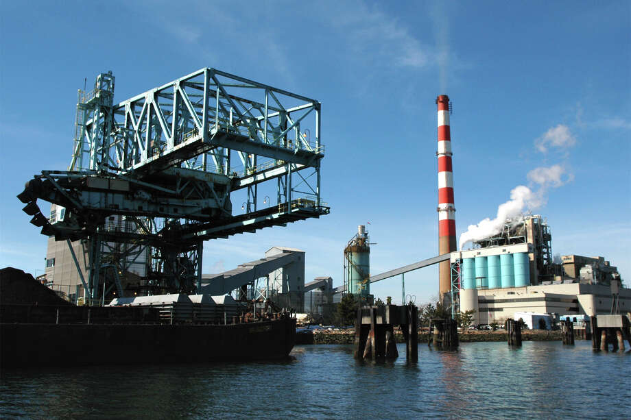 In 2012, the coal-fired PSEG Power Bridgeport Harbor Station, operating a total of 561 hours, emitted 0.33 pounds of mercury while the state's trash-to-energy plants collectively emitted 48.52 pounds of mercury, DEEP figures show. That's enough mercury to contaminate 28.8 million fish, according to Professor Robert Mason of the marine sciences and chemistry department, at UConn's Avery Point campus in Groton. Photo: File Photo, ST / Connecticut Post File Photo