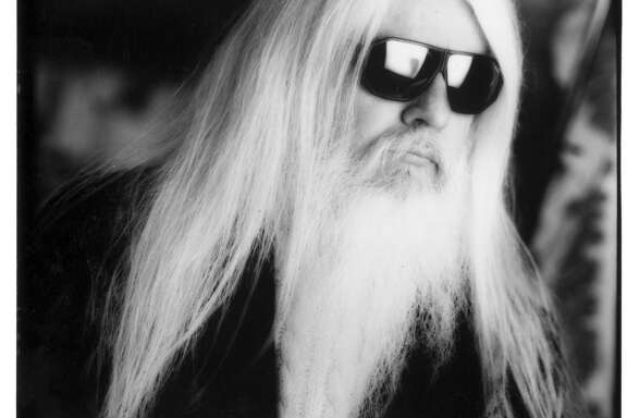 Leon Russell  07/09/96. HOUCHRON CAPTION (04/09/1998): The legendary Leon Russell will headline the Party on the Plaza, located at 615 Louisiana.  HOUCHRON CAPTION  (08/08/2002):  Pick of the week / Leon Russell plays at McGonigel's Mucky Duck this Sunday.  HOUCHRON CAPTION  (04/02/2003):  Russell.