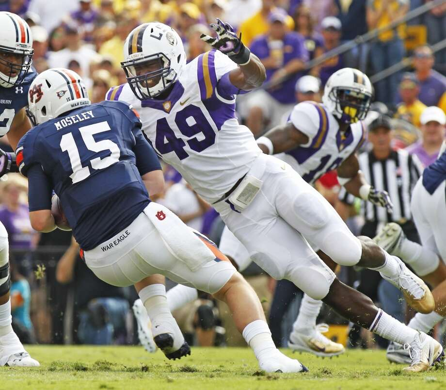 Barkevious Mingo, OLB, 6-4, 241, 4.55, LSU  Should excel playing outside in a 3-4. Has the kind of initial quickness scouts like for the pass rush. Needs to develop more moves to get around blockers. Closes fast on the quarterback. He's a terrific athlete who must get stronger for bull rushes and improve against the run. Should go in the top half of the first round.