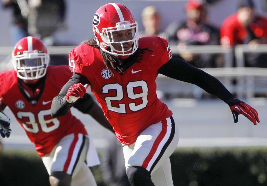 Jarvis Jones, OLB, 6-3, 245, 4.90, GeorgiaIdeal size for an outside player in a 3-4, but he didn't run well at his pro day. His 40 time has scared away some teams from considering him as a first-round prospect, especially if he's asked to drop into coverage. He's got initial quickness to go with good lateral quickness. Difficult to knock off his feet. Should go in the first round.