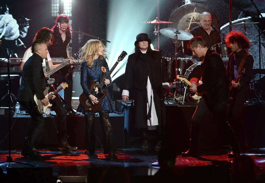 (L-R) Musicians Mike McCready of Pearl Jam and Chris Cornell and inductees Nancy Wilson, Ann Wilson, and Jerry Cantrell perform on stage at the 28th Annual Rock and Roll Hall of Fame Induction Ceremony at Nokia Theatre L.A. Live on April 18, 2013 in Los Angeles, California. Photo: Kevin Winter, Getty Images / 2013 Getty Images