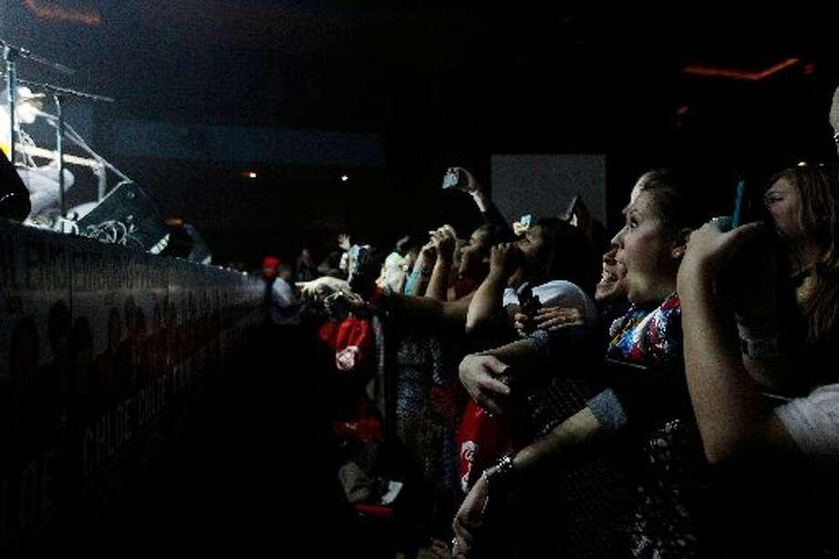 Fans inside Stereo Live for Emblem3.