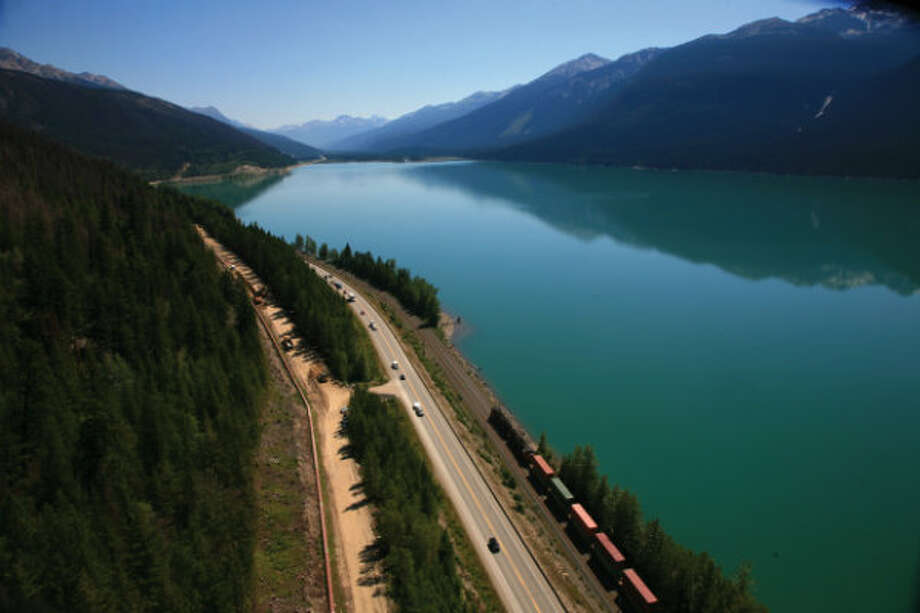 Completed in 2008, Trans Mountain's Anchor Loop project involved installing a second pipeline adjacent to the existing Trans Mountain pipeline -- a 158-kilometer section of the existing Trans Mountain system between Hinton, Alberta and Hargreaves, British Columbia, just west of Mount Robson Provincial Park. Photo: Trans Mountain