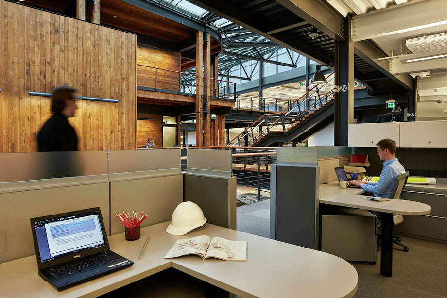 "Work stations have low partitions, which ""allow access to daylight from virtually any place within the building,"" according to a project writeup. Photo: Benjamin Benschneider;copyright Benjamin Benschneider , Benjamin Benschneider"