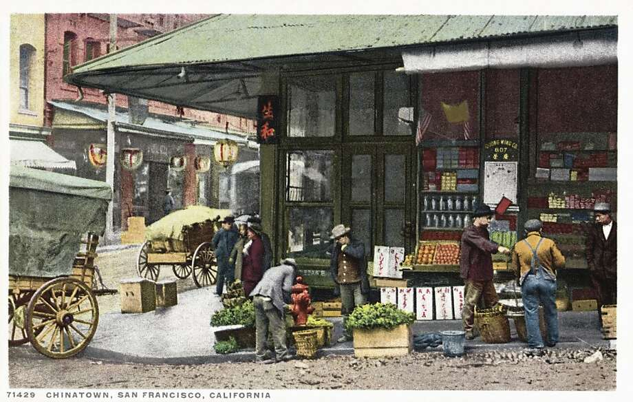 Chinatown, San Francisco. Postcard circa 1915-1925. Photo: UniversalImagesGroup