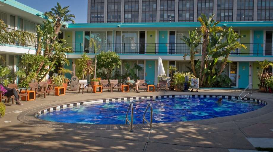 Chambers (601 Eddy St, San Francisco): The rock and roll vibe of the Phoenix goes poolside. Photo: San Francisco Chronicle