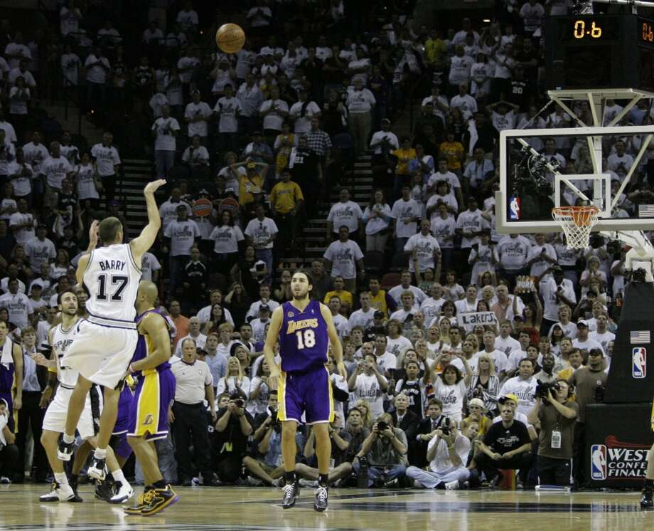 Spurs guard Brent Barry (17) takes a 3-point shot in the closing seconds against the Lakers in Game 4 of the Western Conference finals, Tuesday, May 27, 2008 in San Antonio. The shot missed and the Lakers won 93-91.