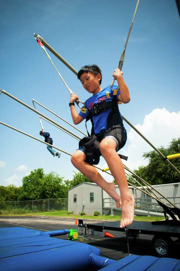 Space Center Houston day camps entertain and educate youth participants. Photo: Chris Kuhlman, Photographer
