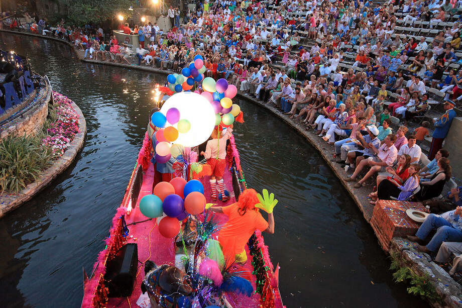 "Baptist Health System's ""Carousel Dreams"" float passes through the Arneson River Theater during Monday's Texas Cavaliers River Parade, whose theme this year was ""Stars on the River."" Photo: Edward A. Ornelas / San Antonio Express-News"