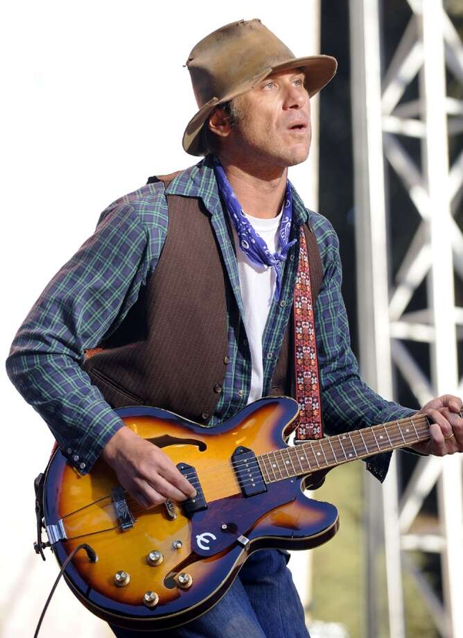 "Aug. 11 – Todd Snider's Traveling Folk Show: In addition to Snider, this show features Shawn Mullins, Hayes Carll and Sarah Jarosz. Snider, an Americana artists, is also known for his storytelling. Carll's song ""Another Like You,"" was American Songwriters top song for 2011, and his album made Rolling Stones' best-of list that year. Tickets are $24."