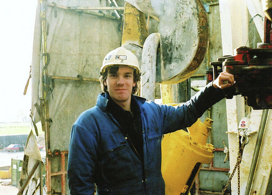 5. Oil rig worker  BLS National Salary Median: $37,640 Projected Job Growth: 8% Photo: Biggerthelogger, Flickr  Source: CareerCast.com Photo: Flickr