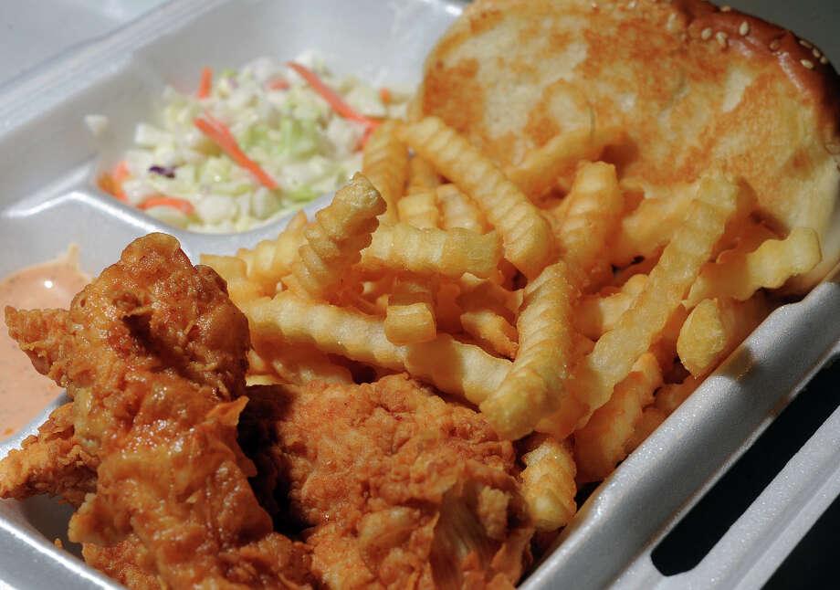 Fort Bend CountyFast food restaurants per 1,000 people: .59Total fast-food restaurants: 325Total full-service restaurants: 255Source:USDA Photo: Guiseppe Barranco, Guiseppe Barranco/The Enterprise / The Beaumont Enterprise