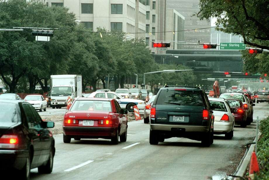 Traffic has been heavy in the Texas Medical Center for years, as this 2001 photo shows, and congestion isn't  likely to go away, says Alvin Wright, spokesman for the  Houston Public Works and Engineering Department. A transportation study aims to plot the best strategy for dealing with parking and traffic flow. Photo: Dave Rossman, Freelance / Freelance