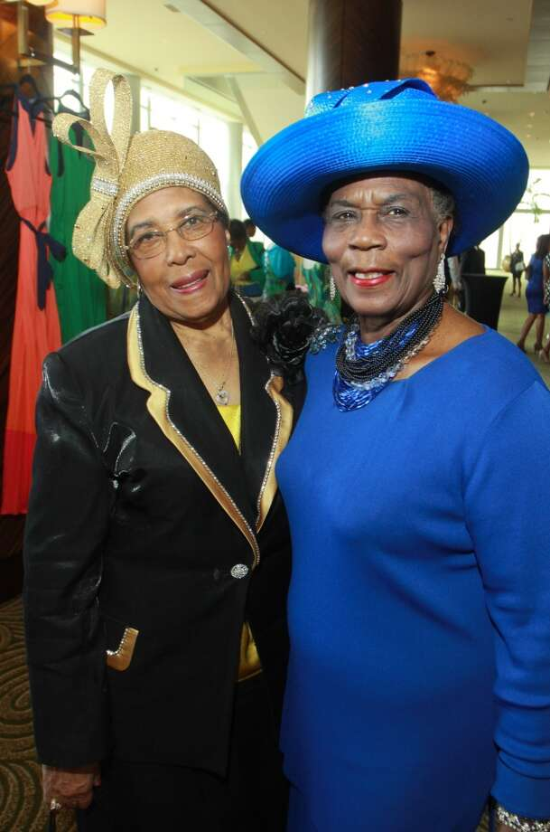 (For the Chronicle/Gary Fountain) Charlotte Kelly Bryant, left, and Gladys Rogers Goffney