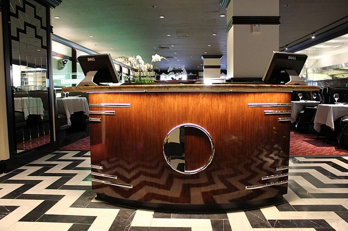 Osso Steakhouse: Host stand