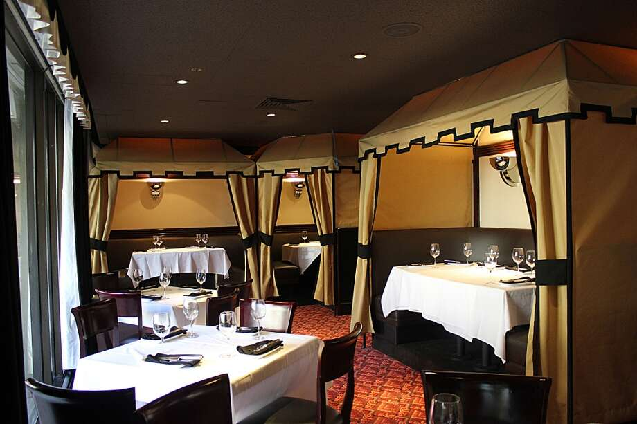 Osso Steakhouse: The private booth area, closest to California Street.