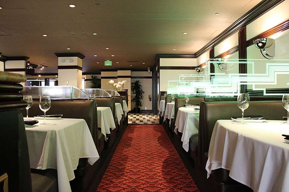 Osso Steakhouse: The dining room, looking away from California Street.