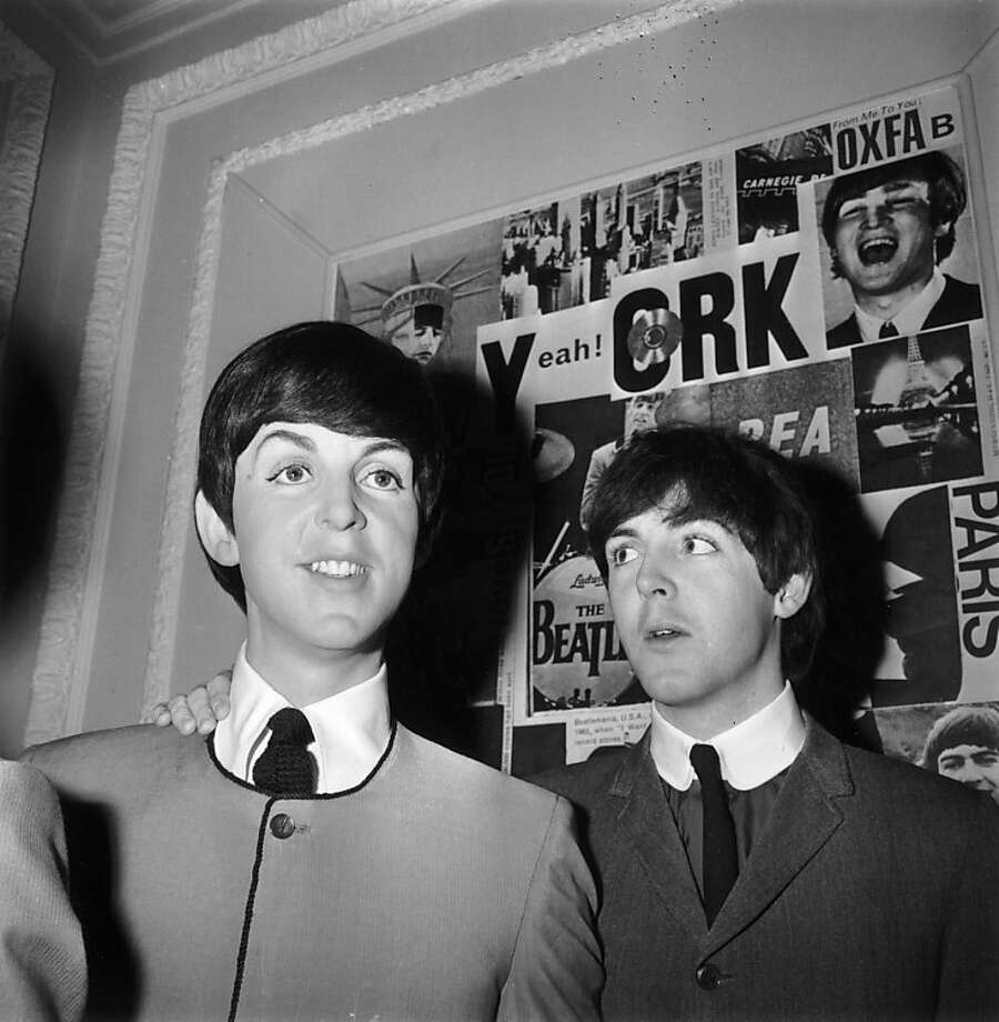 29th April 1964:  Paul McCartney at Madame Tussaud's waxworks with his newly unveiled effigy.  (Photo by Ron Case/Keystone/Getty Images) Photo: Ron Case