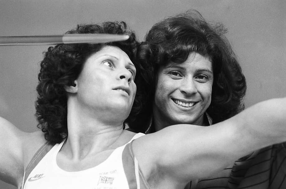 British javelin thrower Fatima Whitbread poses with her waxwork model on March 22, 1988. (Photo by Jack Kay/Express/Getty Images) Photo: Jack Kay, Getty Images
