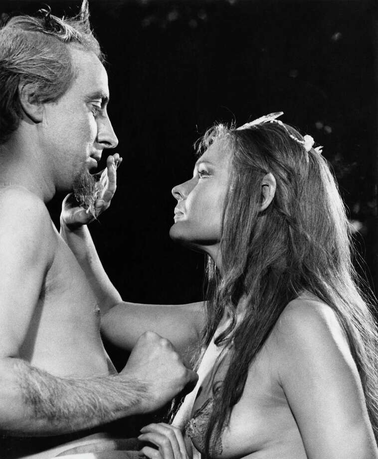 Ian Richardson (1934 - 2007) as Oberon and Judi Dench (yes, that Judi Dench!) as Titania during the filming of Shakespeare's play 'A Midsummer Night's Dream', 1968. The film was directed by Peter Hall. Photo: David Farrell, Getty / 2011 David Farrell
