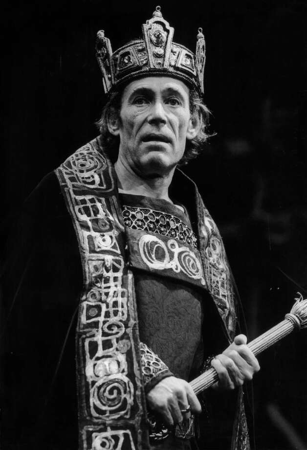 Irish actor Peter O'Toole plays the title role in a production of Shakespeare's 'Macbeth' at the Old Vic, 1st September 1980. Photo: Chris Ball, Getty / 2005 Getty Images