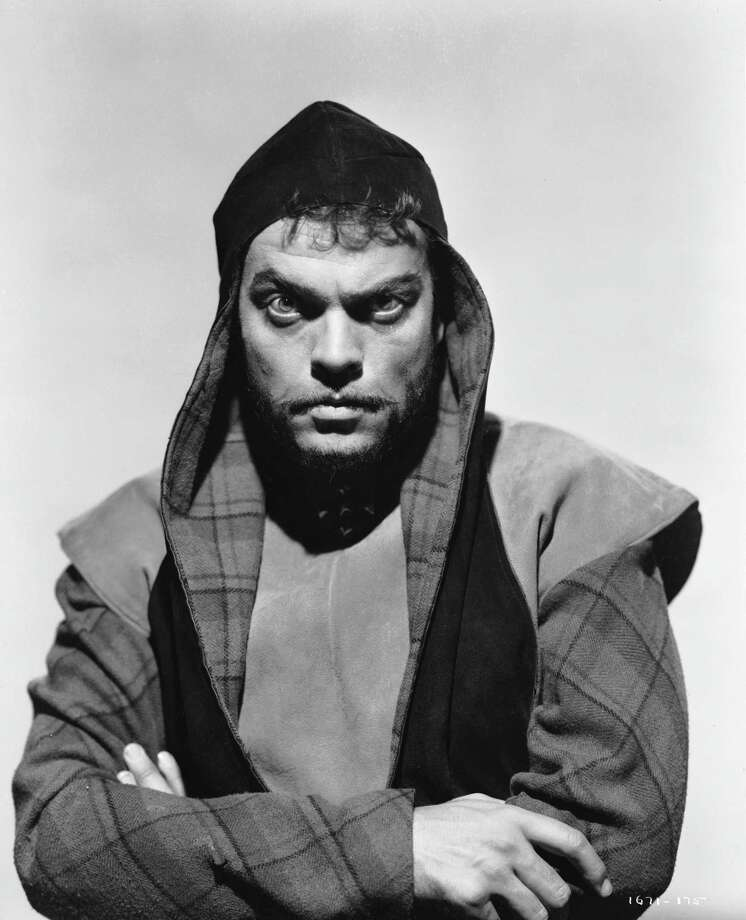 Orson Welles (1915 - 1985) directs and stars in a screen version of Shakespeare's 'Macbeth'. Photo: John Kobal Foundation, Getty / Moviepix