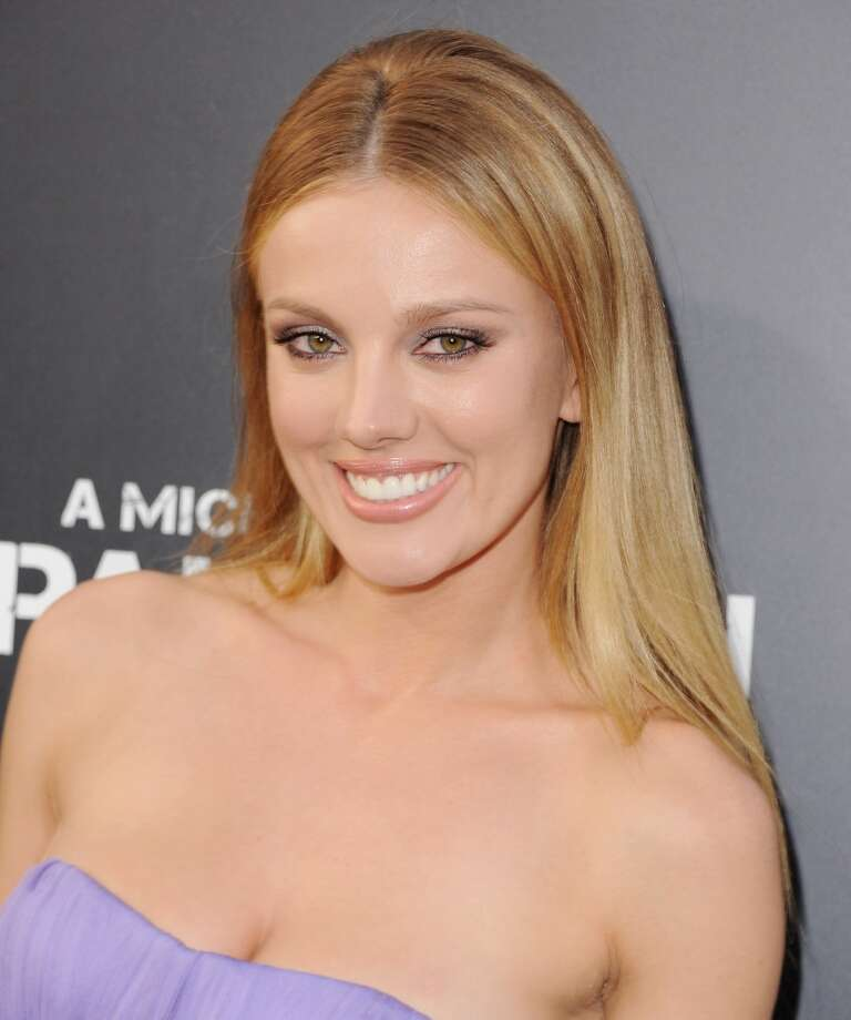"""HOLLYWOOD, CA - APRIL 22:  Actress Bar Paly arrives at the Los Angeles Premiere \""""Pain & Gain\"""" at TCL Chinese Theatre on April 22, 2013 in Hollywood, California.  (Photo by Jon Kopaloff/FilmMagic)"""