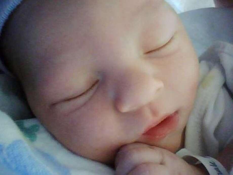 Ryan Sleeping Photo: Misstaylor85, Chron.com