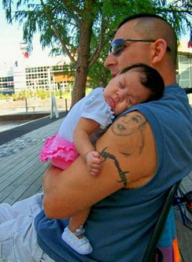 Daddy's girl! Photo: Trainfamily, Chron.com