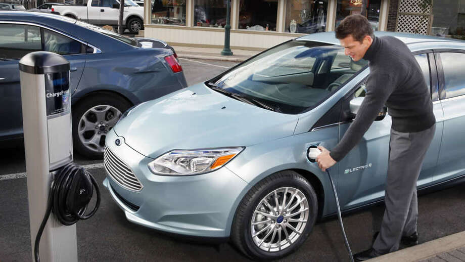 Car: 2013 Ford Focus ElectricMPGe: 105Base price: $39,200 Photo: Handout