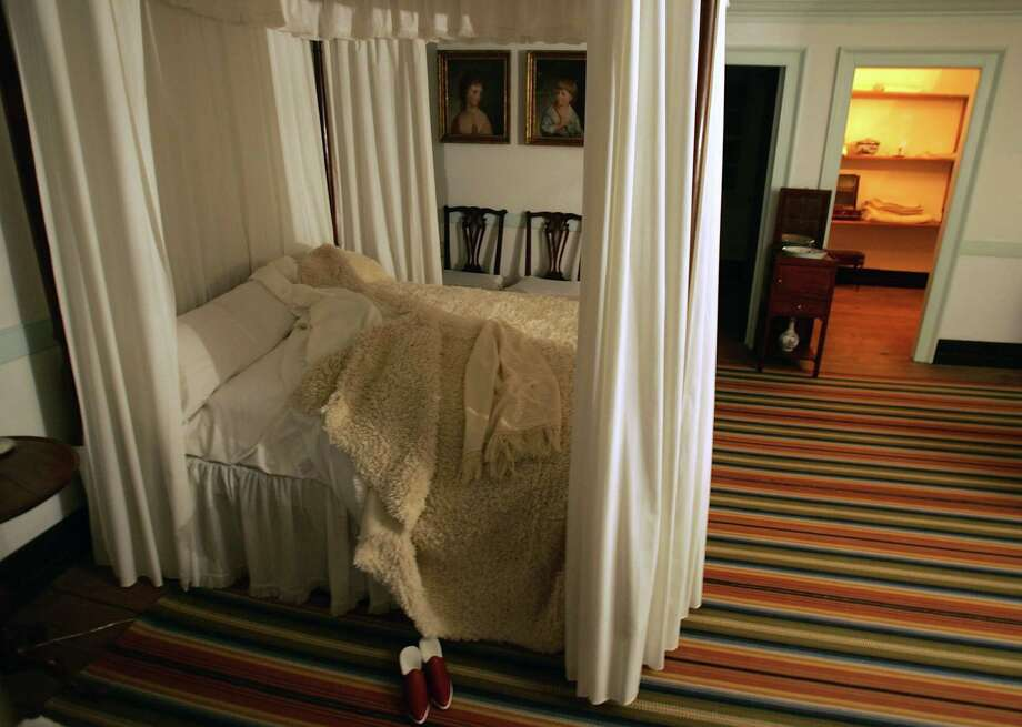 The bedroom of George Washington and his wife Martha Washington is seen during a holiday tour in George Washington's Mount Vernon Estate December 4, 2004. Photo: Joe Raedle, Getty Images / 2004 Getty Images