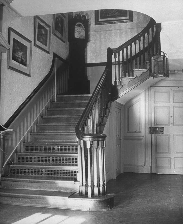 The staircase in the colonial Mount Vernon home of George and Martha Washington is pictured in 1943. Photo: Alfred Eisenstaedt, Time & Life Pictures/Getty Image / Time & Life Pictures/Getty Images