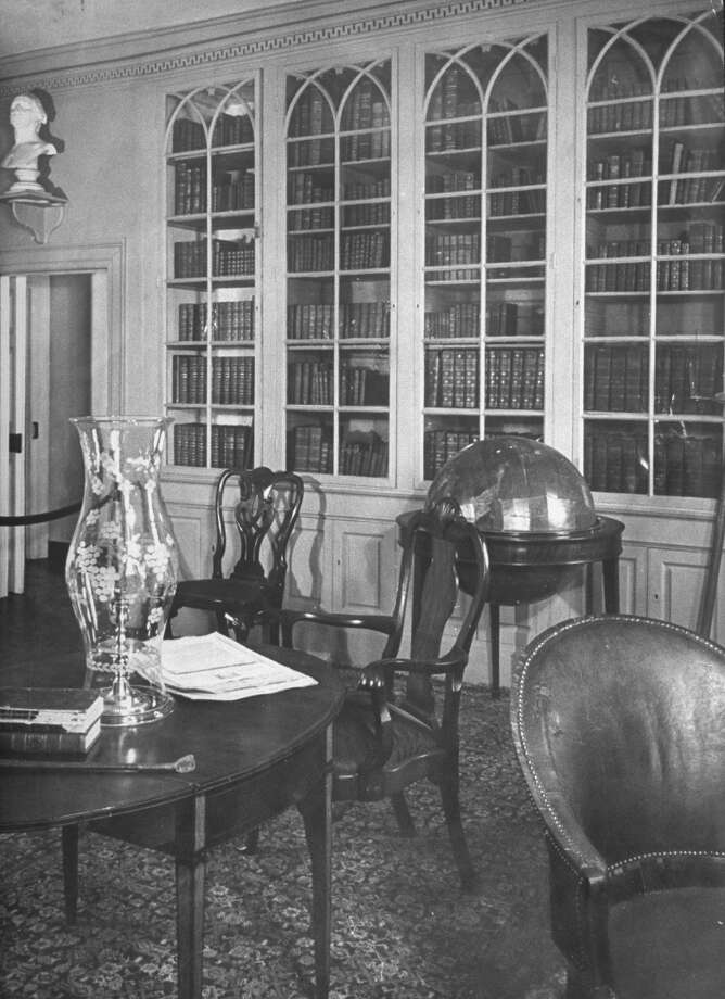 George Washington's study in his Mount Vernon home is shown in 1943. Photo: Alfred Eisenstaedt, Time & Life Pictures/Getty Image / Time & Life Pictures/Getty Images
