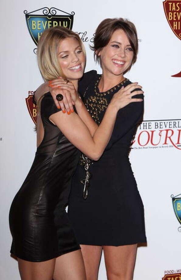 AnnaLynne McCord (L) and Jessica Stroup Photo: Michael Tran, FilmMagic / 2010 Michael Tran