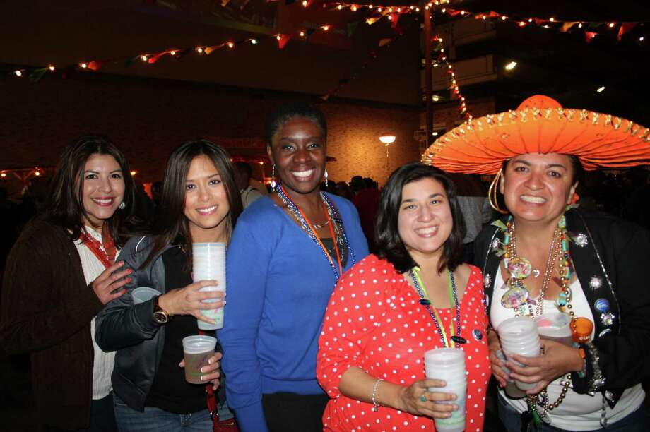 The Fiesta fun continued Wednesday night at NIOSA. Photo: Libby Castillo, MySA.com