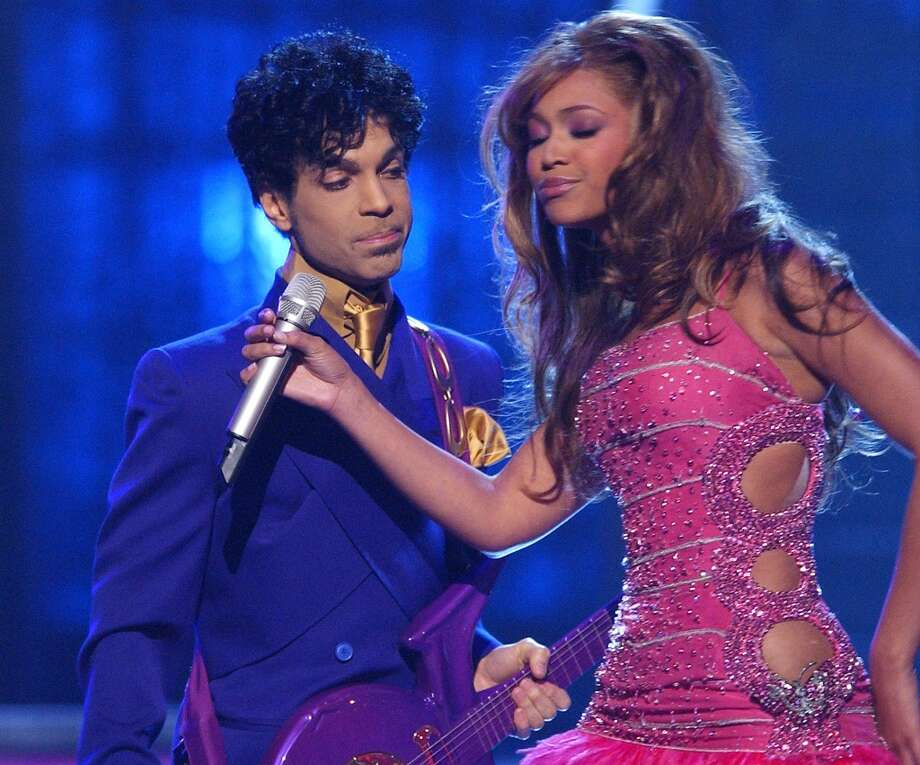 Prince and Beyonce perform his hits (Photo by M. Caulfield/WireImage)
