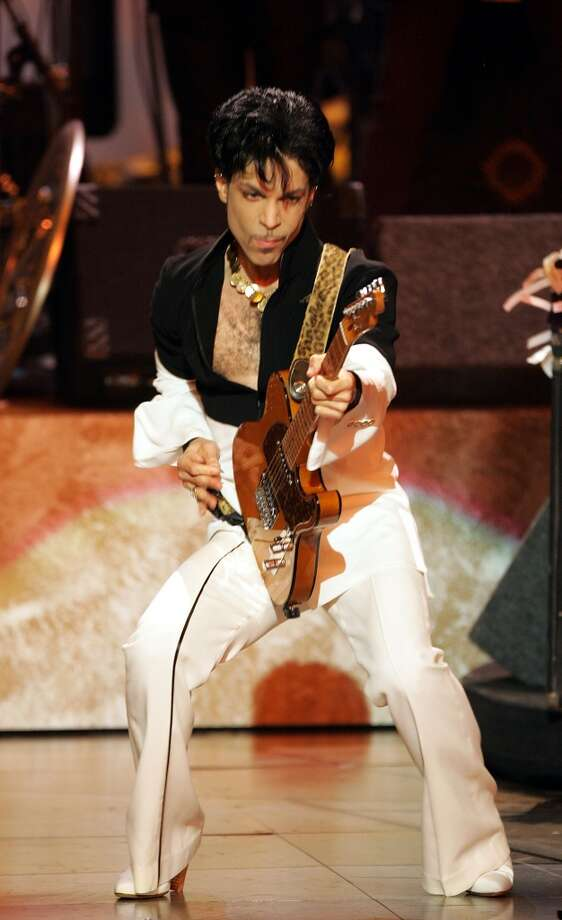 Musician Prince performs on stage at the 36th NAACP Image Awards at the Dorothy Chandler Pavilion on March 19, 2005 in Los Angeles, California.  (Photo by Kevin Winter/Getty Images)