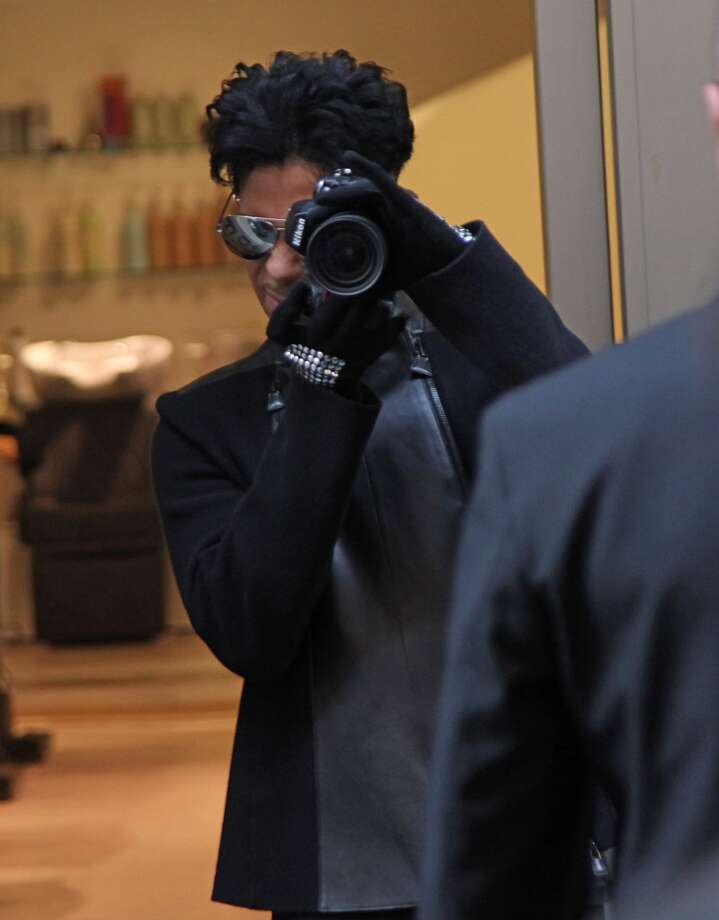 Musician Prince seen leaving an hairdressers on Via Della Vite on November 2, 2010 in Rome, Italy.  (Photo by Gisele Tellier/Getty Images)