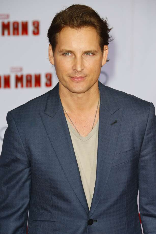 HOLLYWOOD, CA - APRIL 24:  Actor Peter Facinelli attends the premiere of Walt Disney Pictures' 'Iron Man 3' at the El Capitan Theatre on April 24, 2013 in Hollywood, California.  (Photo by Imeh Akpanudosen/Getty Images)
