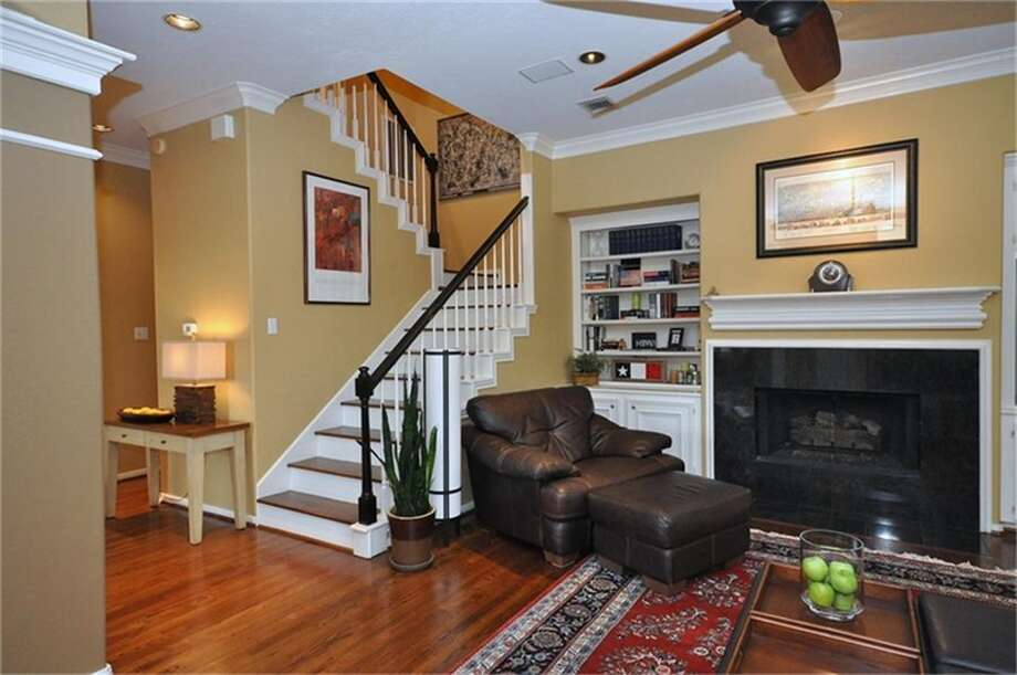 2401 Mandell Street: This Montrose-area home features three bedrooms and three bathrooms in more than 2,300 square feet of living space. Photo: John Daugherty Realtors Photo: HAR.com